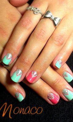 Kaitlins very cute #ColourGloss Nails! #NailsByMonaco #NailArt #Silver