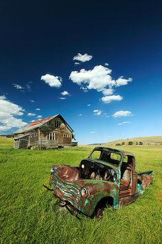 ♂ Aged with beauty. old forgotten truck Seen Better Days by Todd Klassy, via Flickr farm grass field