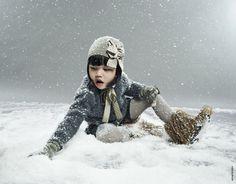 Lili Gaufrette winter kids - love the hat for T Fashion Kids, Monster Slippers, Zig Zag Dress, Mood Images, Kids Wardrobe, Outdoor Fashion, Family Photo Sessions, Family Photos, Winter Kids