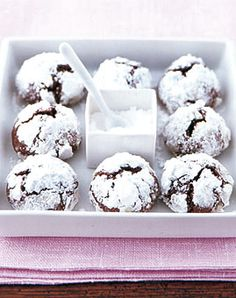 Chocolate snowball cookies -german recipe Schoko-Schnee-Kugeln - Rezepte - [LIVING AT HOME]