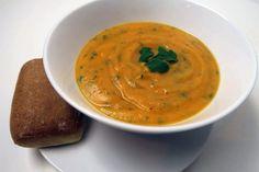 Soupe de carotte, patate douce et coriandre