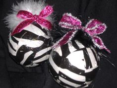 I was looking for ideas to add a little zebra touch to my cousins christmas tree when I came across these!