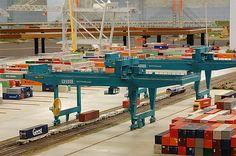 http://www.miniworldrotterdam.com/foto/galerij/miniatuurwereld_railcontainerterminal_rsc.jpg