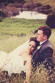 Photography Portfolio, Wedding Decorations, About Me Blog, Wedding Inspiration, Wedding Photography, Facebook, Couple Photos, Artist, Instagram