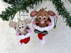 Crochet ideas that you'll love Crochet Christmas Decorations, Crochet Ornaments, Christmas Crochet Patterns, Christmas Ornament Crafts, Christmas Knitting, Easy Crochet Patterns, Handmade Christmas, Crochet Mouse, Crochet Dolls