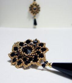 Orecchini tessuti a mano Cristallo Swarovski di jewelrysoutache, €60.00