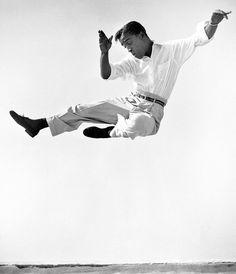 CPi REPS - Sammy Davis Jr. dancing on a Hollywood rooftop, 1947 -♪♫ www.pinterest.com/WhoLoves/Dance ♪♫ #dance