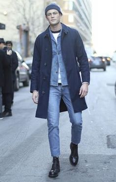 The latest men's street style photographs and trends for Our photographers snap the best-dressed real men from across the globe. Big Men Fashion, Winter Fashion, Fashion Outfits, Casual Outfits, Style Casual, Men Casual, Look Man, All Jeans, Men Street