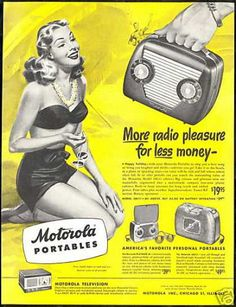 Vintage Motorola Portable Radio Ad with Bathing Beauty Old Advertisements, Retro Advertising, Vintage Ads, Vintage Posters, Vintage Soul, Vintage Music, Vintage Images, Lps, Best Adverts
