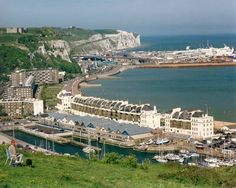 Dover, England Dover England, White Cliffs Of Dover, My Town, Art And Architecture, Places Ive Been, Paris Skyline, How To Memorize Things, River, Outdoor