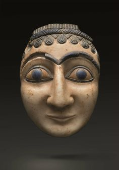 Composite head of a worshipper or deity, Sumerian, 2550-2250 BC. Alabaster, lapis lazuli, and brown limestone. Height 10.8 cm. Harmakhis galerie at TEFAF 2016 © TEFAF Maastricht, 2015