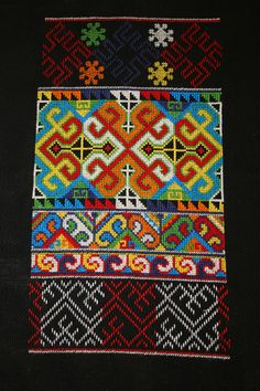 Mien-style embroidery
