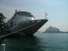 Circular Quay, the Opera House & the Pacific Pearl