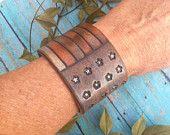 I MUST MAKE AMERICANA!!    Rustic AMERICAN FLAG Leather Cuff Bracelet, Primitive Distressed Leather Jewelry