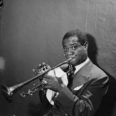 Portrait of Louis Armstrong, Aquarium, New York, N.Y., ca. July 1946 Photograph by William Gottlieb. Courtesy of the Library of Congress, Washington, D.C. Featured in JAZZ: The Smithsonian Anthology