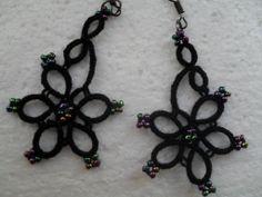 Boucles d'oreille dentelle noire , tatted ,dentelle frivolite, boucles d'oreille crochet : Boucles d'oreille par carmentatting