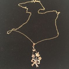 Victorian 10kt pendant and chain