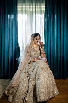 An Elegant Gujarati Wedding With The Bride In A Pastel Lehenga Wedding Lehenga Designs, Lehenga Wedding, Indian Bridal Lehenga, Indian Bridal Outfits, Indian Bridal Wear, Indian Wear, Indian Attire, Indian Dresses, Gujarati Wedding