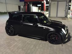 R53 Black I'd do this with my mini. But only temporary, since i also really like it's original paint job :)