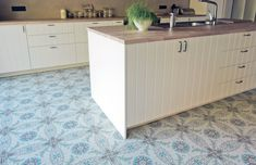 Parisienne patterned tiles from the Stone & Ceramic Warehouse work beautifully in the kitchen. We love the white cabinets against the patterned floor! Kitchen Tiles, Kitchen Flooring, Kitchen Design, Floor Patterns, Tile Patterns, Wall And Floor Tiles, Wall Tiles, Tile Showroom, Italian Tiles