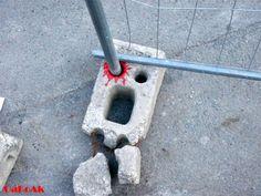 Att finna konst och humorbudskap i vardagen http://blish.se/56deb97b45 #oakoak #frankrike #sreetart #gatukonst #grafitti