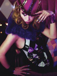 circus makeup Love the purple