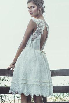 Robe Dickens de Laure de Sagazan : 30 robes de mariée courtes - Journal des Femmes