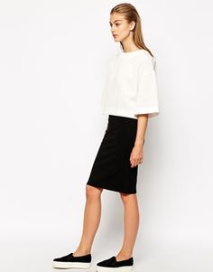 Mango Ponte Pencil Skirt #Apostolicfashion #modestfashion #modestdress #tzniutfashion #classicdress #formaldress #kosherfashion