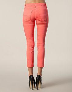 Gracie Cropped Twill - Filippa K - Koraal - Broeken & shorts - Kleding - NELLY.COM