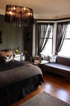 In the Mood for Sexy Bedrooms House Tour Roundup | Apartment Therapy......love the look of this room