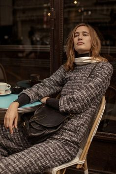 Appearing in the September 2017 issue of L'Officiel Paris, model Laetitia de Montalembert poses in fall style for the editorial. Photographed by Luc Coiffait… Paris Fashion, Autumn Fashion, Pixel Color, Laetitia, Parisian, Editorial Fashion, Fashion Photography, Women Wear, Turtle Neck