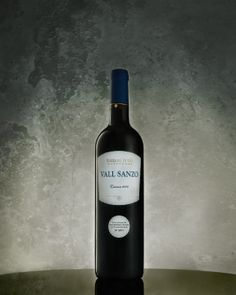 Bottle of Red Wine, Vall Sanzo, Crianza Ribera del Duera DO, Javier Rodríguez Red Wine, Alcoholic Drinks, Bottle, Glass, Drinkware, Flask, Corning Glass, Liquor Drinks, Alcoholic Beverages