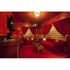 A luxurious room at the Roxbury Lodge featuring red and gold glitter tile. So beautiful! Retro Interior Design, Pastel Interior, Living Room Decor, Bedroom Decor, Colorful Bedding, Bedroom Red, Red Bedroom Design, Glass Mosaic Tiles, Mosaic Art