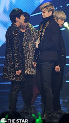 Lmao I love how Zelo looks so intimidated by Himchan despite the height difference
