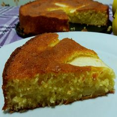 Una Torta alle mele con limone e cocco soffice e deliziosa. Adatta anche per la colazione dei bimbi. Soprattutto se non mangiano la frutta.