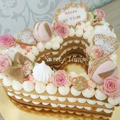 Pretty Cakes, Beautiful Cakes, Baking Cupcakes, Cupcake Cakes, Alphabet Cake, Artist Cake, Cake Lettering, Monogram Cake, Heart Cakes