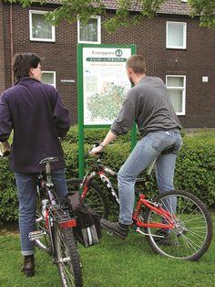 Ontdek Zuid-Limburg op de fiets met behulp van de Fietsknooppuntenkaart. De knooppunten staan duidelijk aangegeven op deze kaart. Ook de afstanden tussen deze knooppunten zijn duidelijk aangegeven zodat zelf een fietsroute uitgestippeld kan worden tussen deze knooppunten!