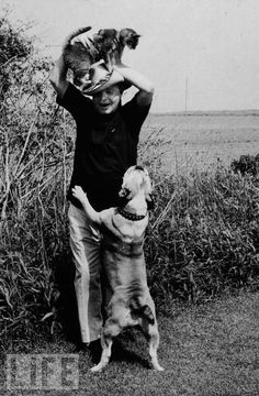 Writer Truman Capote  with his dog and cat in Sagaponack, Long Island, NY (Ernest Sisto/NY Times Archive, 1971).
