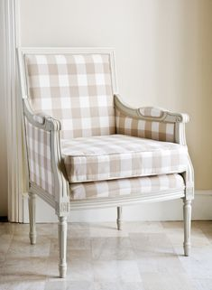 Buffalo check fabric on Louis style painted chair Sillas Shabby Chic, Buffalo Check Chair, Home Goods Decor, Home Decor, Banquettes, Take A Seat, My Living Room, Soft Furnishings, Decoration