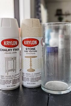 Spray Painting Glass, Stone Spray Paint, Spray Paint Vases, Diy Painting, Spray Paint Projects, Diy Craft Projects, Vase Crafts, Decor Crafts, Cheap Glass Vases