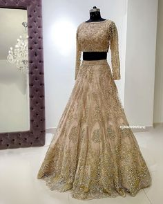 Indian Wedding Gowns, Pakistani Bridal Wear, Bridal Lehenga, Indian Dresses, Indian Outfits, Punjabi Wedding, Indian Lehenga, Elegant Dresses, Indian Fashion
