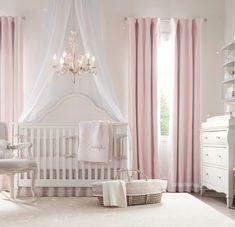 kinderzimmer idee rosa vorhänge kinderbett lampe stuhl dekoration schrank interieur dezent schön elegant