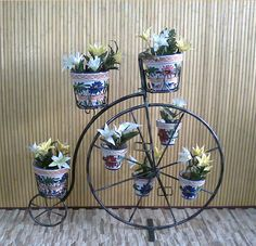 #jardinera de #hierro #forjado hecho artesanalmente. Ideal para ambientes especiales. ¡Clica para ver más!
