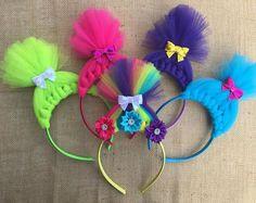 Troll Headband - Troll Headbands - Trolls - Tulle Bow - Trolls Bow - Troll Hair Headband - Headband - Troll Crown - Troll Party - Tulle hair by BBgiftsandmore on Etsy Trolls Birthday Party, Troll Party, Diy Disney Ears, Disney Diy, Kids Braided Hairstyles, Headband Hairstyles, Troll Costume, Flower Costume, Felt Crafts Patterns