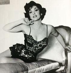 """"""" The great Gina Lollobrigida """" Old Hollywood Glamour, Golden Age Of Hollywood, Vintage Glamour, Vintage Hollywood, Hollywood Stars, Vintage Beauty, Classic Hollywood, Classic Actresses, Female Actresses"""