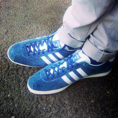 Quanto sei Originals? Sul nostro blog Scarpediem l'articolo sulle sneaker Adidas che hanno fatto la storia e del sogno di Adi Dassler, il fondatore.   http://www.scarpediemblog.com/?p=849  #adidassler   #adidasoriginals   #adidas   #sneaker   #scarpe   #shoes   #footwear   #gazelle   #zx750   #basketprofi
