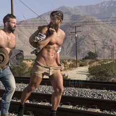 Californian mountain men on the move. #beards #hobos #mountainmen #california #desert #brokeback #fit #physiquemodel #instabeard #naturalmen #outbackmen #beautifulmen #bearded #scruff #hotandscruff #malenudeart #portraiture #bears #instabear #paulfreeman