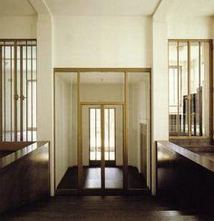 Google Afbeeldingen resultaat voor http://encensmagazine.com/blog/wp-content/uploads/2011/11/wittgenstein-house.jpg