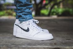 WDIWT - See my on foot video review of these Air Jordan 1 Yin Yang White + where to find em