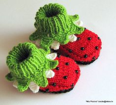 Knitted Baby girl booties Ladybugs baby girl shoes by MiaPiccina